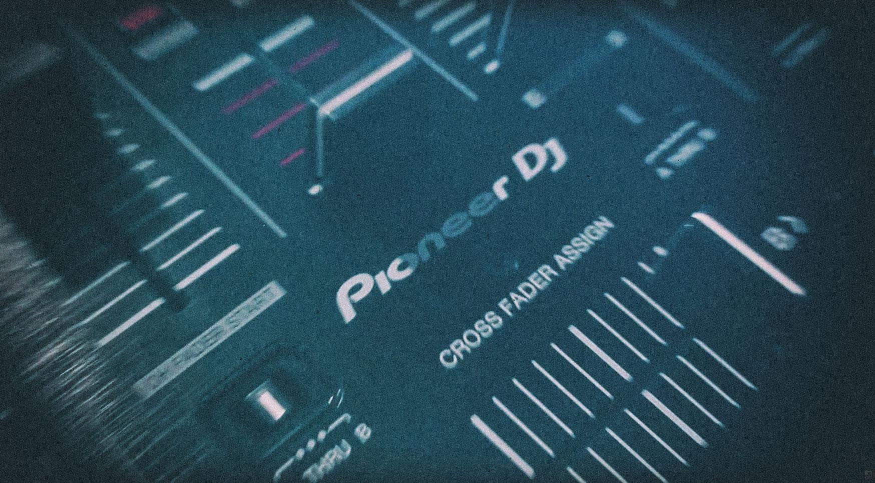 Pioneer DDJ RX – Review